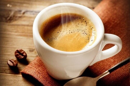 Numai dacă bei cafea, puteți pierde în greutate