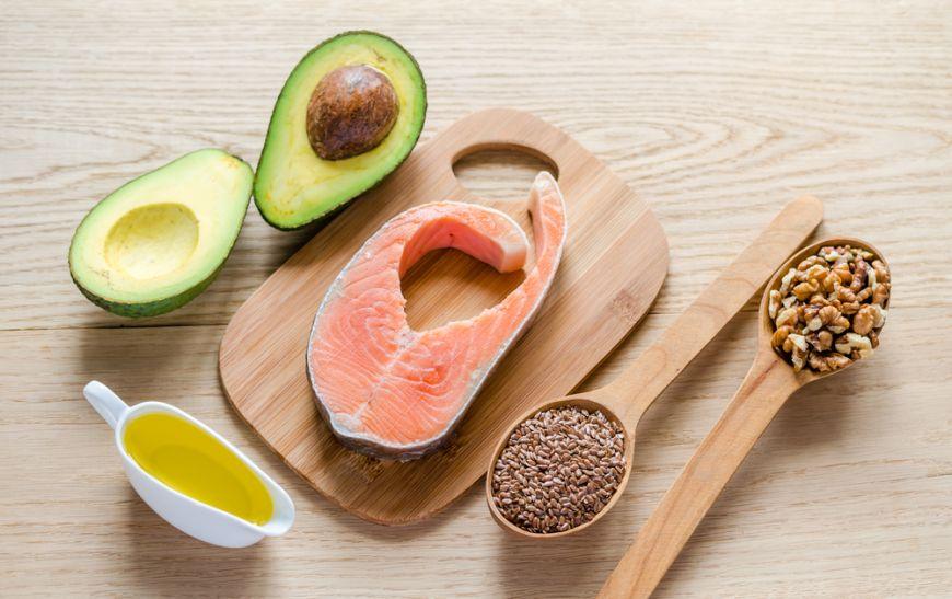 Mănâncă alimente cu conținut scăzut de grăsimi pentru a pierde în greutate