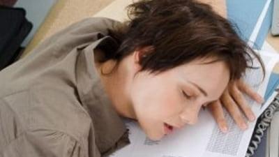 7 motive pentru care ne trezim obositi