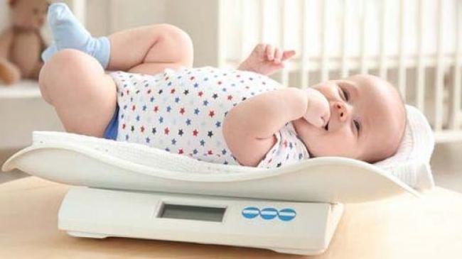 Scăderea fiziologică în greutate a nou-născutului | secretfantasy.ro