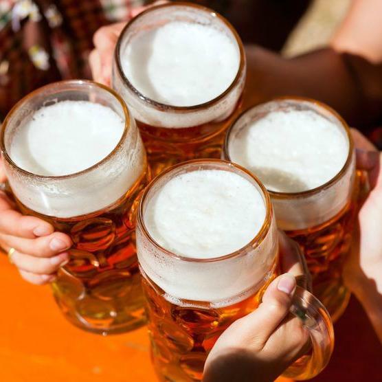Iata cata bere poti sa bei fara sa te ingrasi: Piept de pui cu os