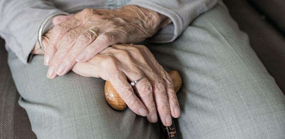 simptome de pierdere în greutate la vârstnici cum să stimulezi metabolismul pentru pierderea de grăsime