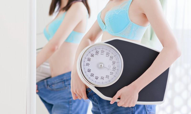 tânăr pierdere în greutate Pierdere în greutate de 20 de kilograme în 4 luni