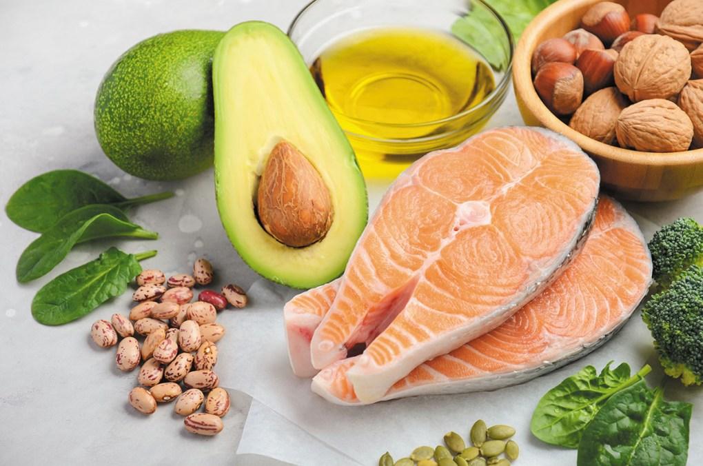 aportul zilnic de grăsimi saturate pentru a pierde în greutate Arzător de grăsimi 10 min