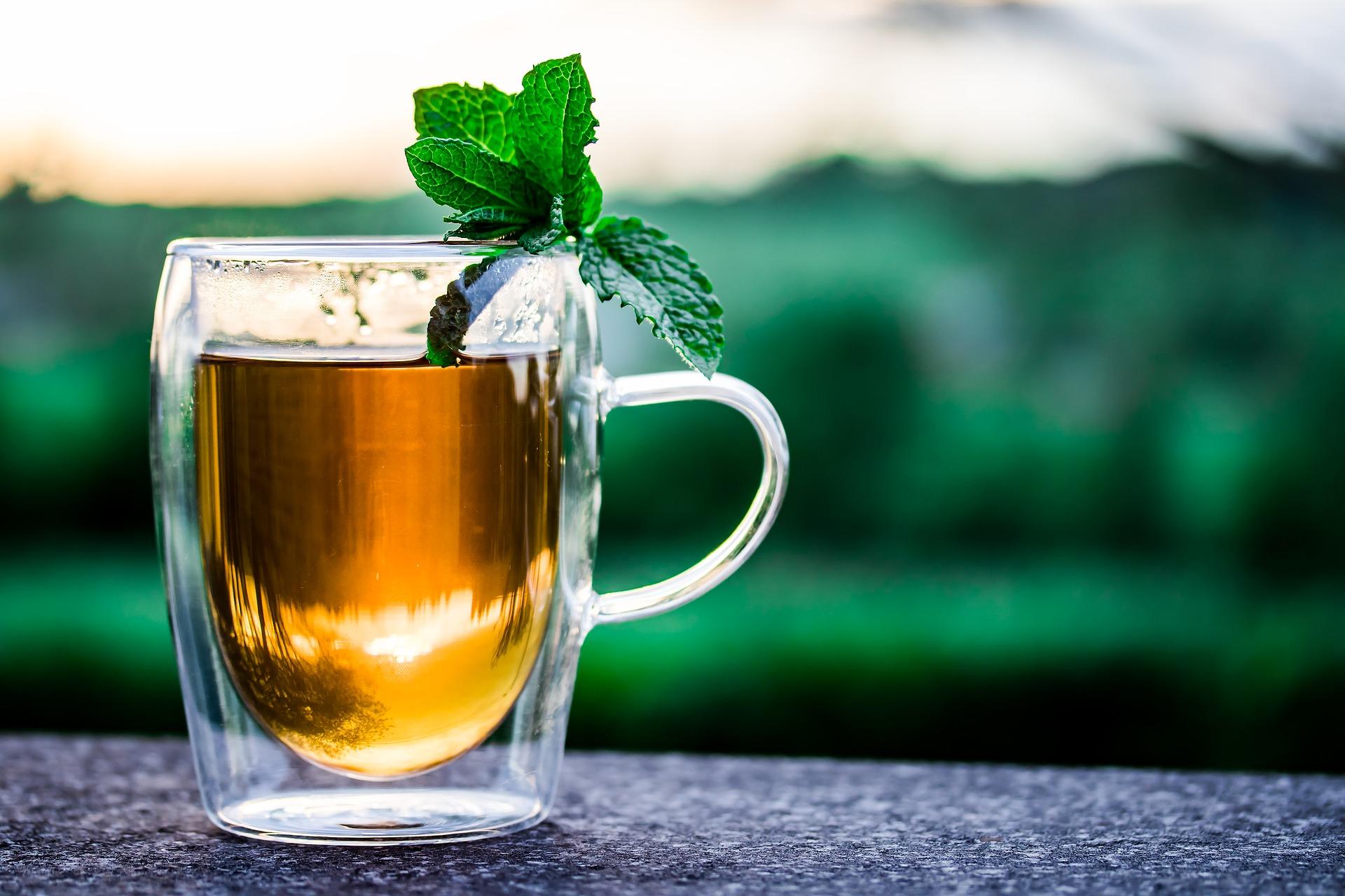 15 băuturi care te ajută să slăbești