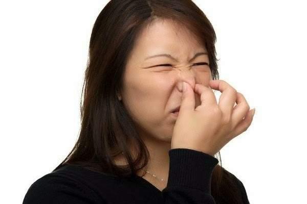 Boala ce poate fi anunțată de respirația urât mirositoare